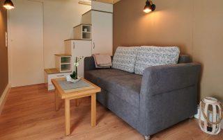 tiny-houses-kaufen-sofa